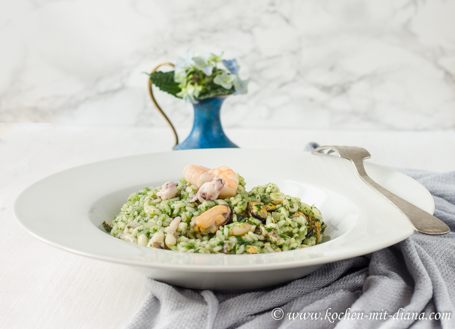 Seafood risotto with pesto