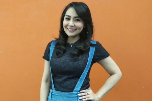 Tessa Kaunang ditemui di Studio TransTV, Mampang, Jakarta Selatan