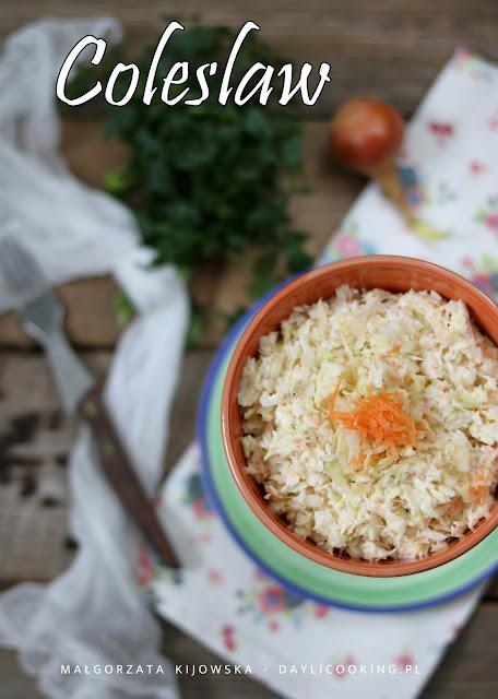 co to jest coleslaw?, jak zrobić sałatkę coleslaw?, przepis na sałatkę z sieciówki, kultowa sałatka, daylicooking