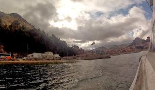 Vista saindo de Copacabana / Bolívia.