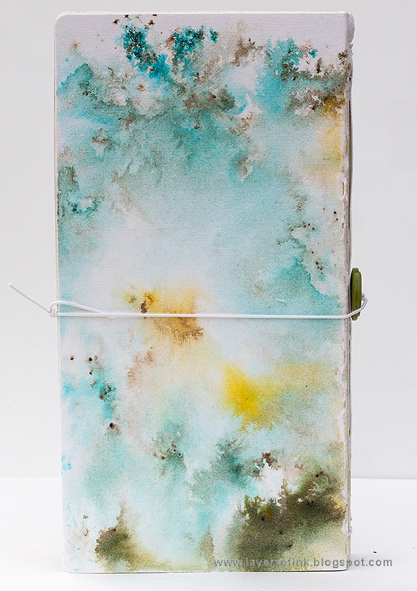 Layers of ink - DIY Guestbook Tutorial by Anna-Karin Evaldsson with Eileen Hull Sizzix dies