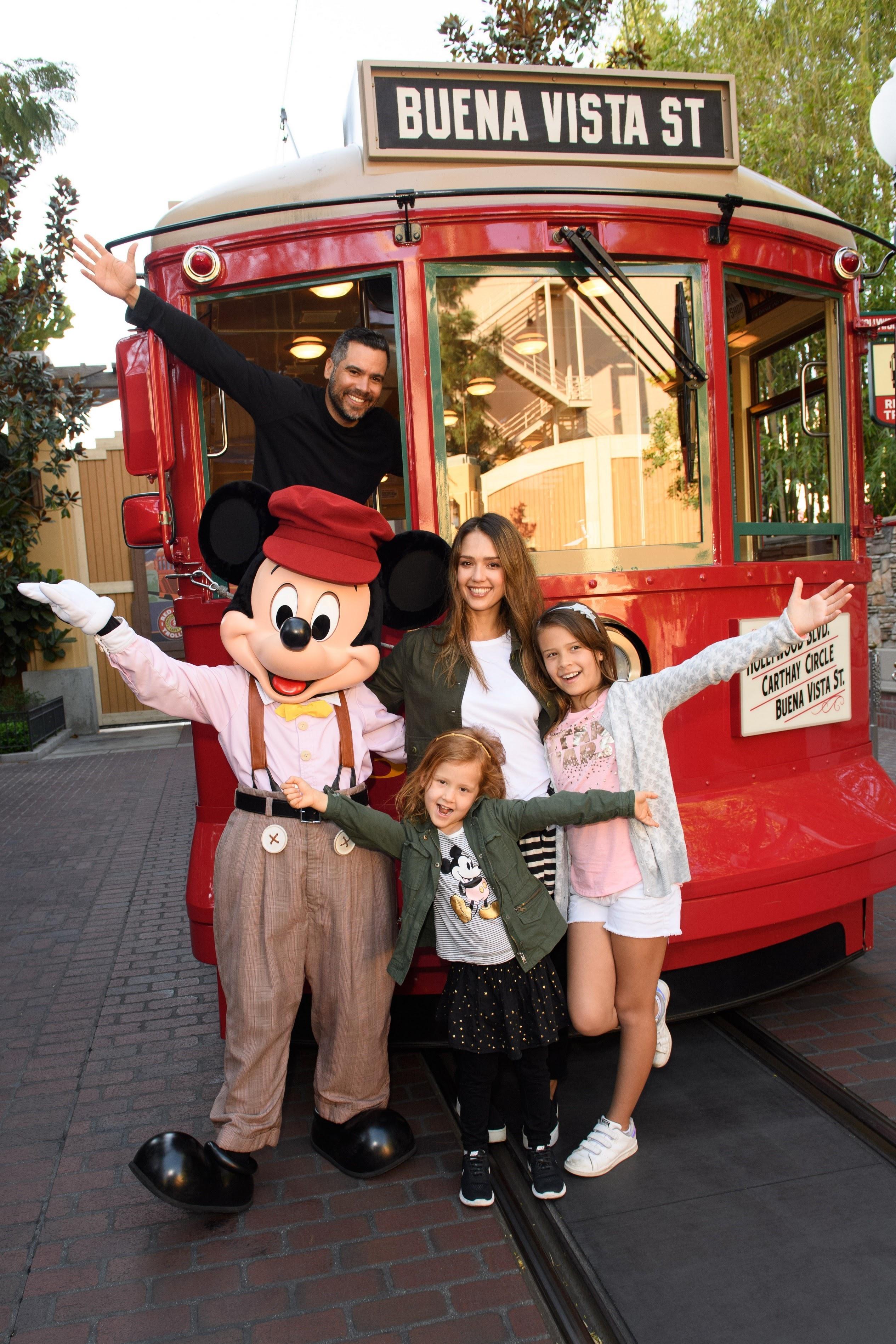 Jessica Alba and the family's Disneyland holiday