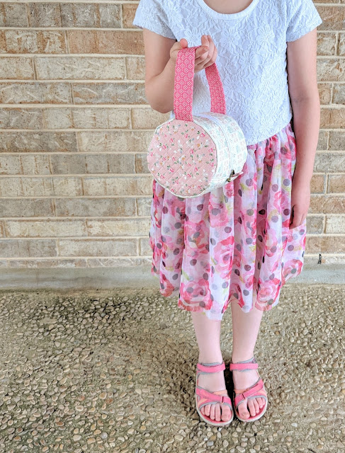 Riley Blake Designs Grandale Rollcake Bag (Pattern by Minki Kim) sewn by Heidi Staples for Fabric Mutt