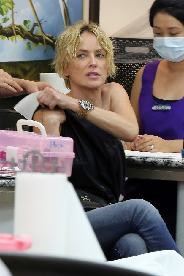 Sharon Stone while chose the color of the enamel which would put