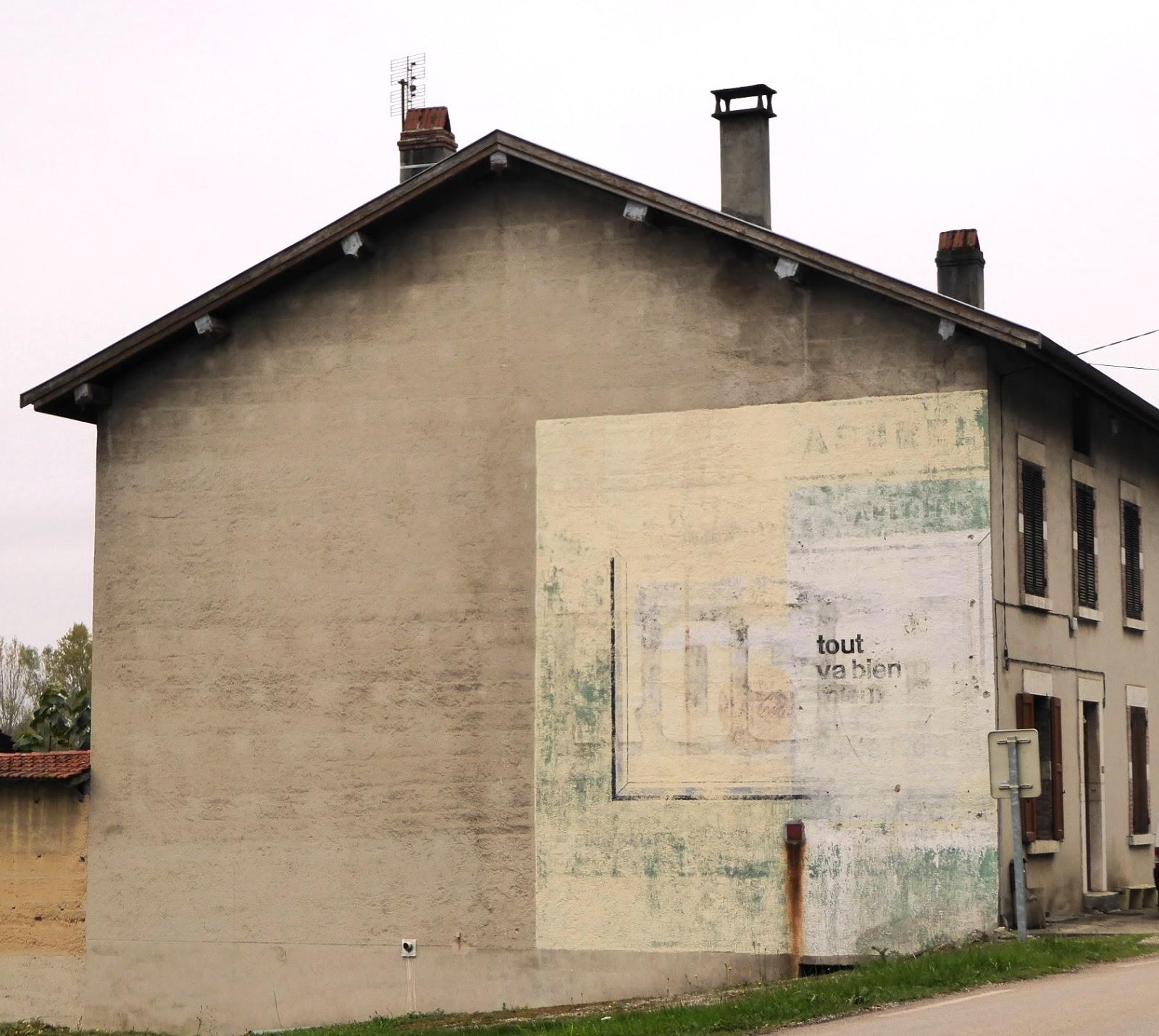 Des signes sur les murs soif d 39 hier - D ou vient la moisissure sur les murs ...
