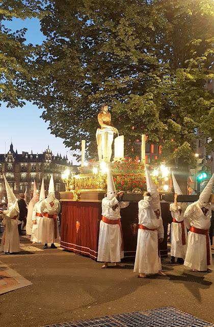 Procesión de Semana Santa, Ensanche, Gran Vía, Bilbao, España, Elisa N, Blog de Viajes, Lifestyle, Travel