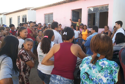 Prefeitura dará assistência aos moradores que invadiram casas em Ouro Velho; decisão final cabe à J