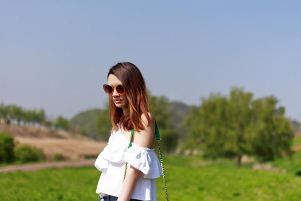 summer style, korean style, korean fashion, zara, off the shoulder, frilled shirt, boyfriend jeans, botkier, awkward boots