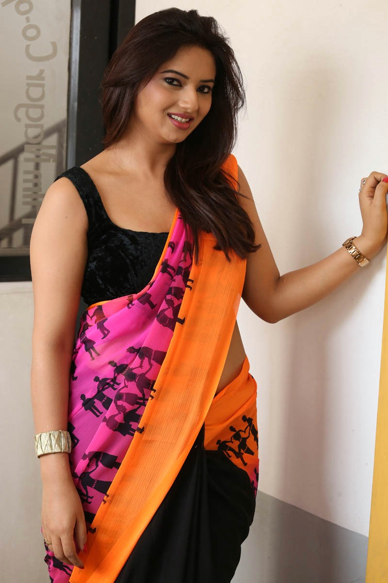Actress IshaChawla Latest Images