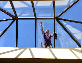Orange County window cleaning professionals at Stanley window care offer you more than 20 years of experience and complete satisfaction when it comes to cleaning your windows.