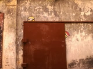 "<a href=""url gambar""><img alt=""street art penang malaysia mural hidden minions"" src=""urlgambar"" title=""street art penang malaysia mural hidden minions"" />"