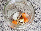 Castraveciori in otet pentru iarna preparare reteta - legumele si condimentele in borcan