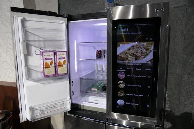 ثلاجة LG InstaView الذكية