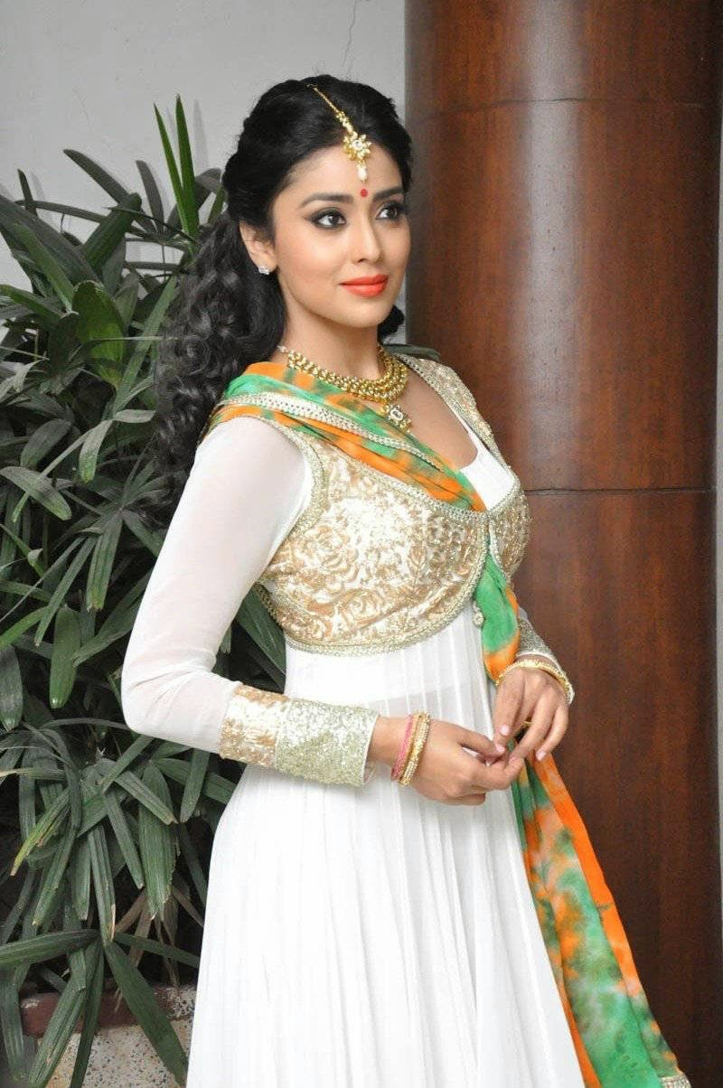 Actress Shriya Saran Latest Cute Hot Beautiful White Dress Spicy Photos Gallery At Memu Saitham Stars Cricket Curtain Raiser Event Dance Riharsals