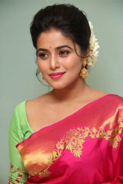 Actress Poorna Latest saree photos at savarakaththi