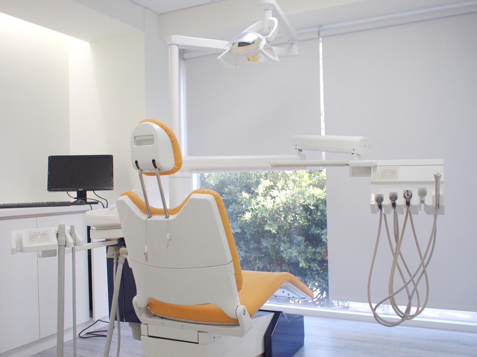 柏恩牙醫診所: 十月 2012