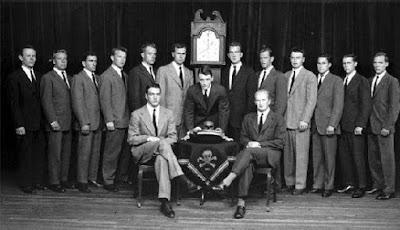HW Bush, Bonesman 1948.
