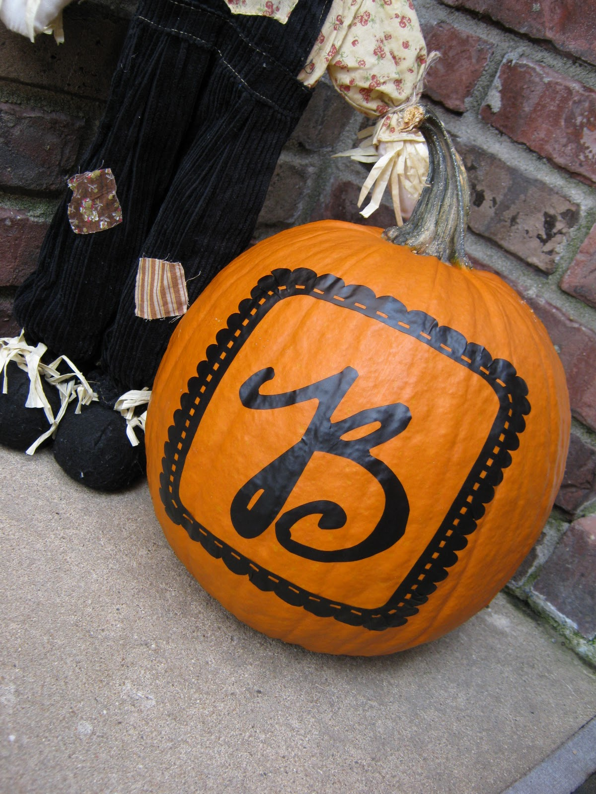 Ginger snap crafts monster monday monogrammed pumpkin for Monogram pumpkin templates