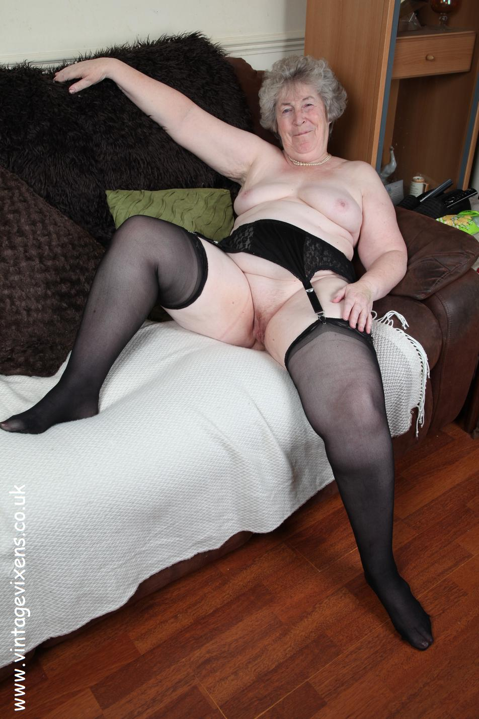 Mom skinny mature woman fucks her married lover 1