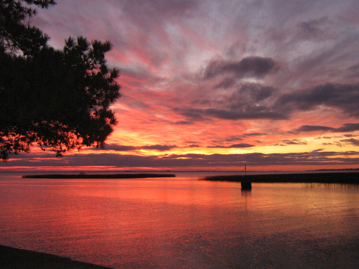 Un mundo en paz los amaneceres y atardeceres m s bonitos for Fotos de garajes bonitos