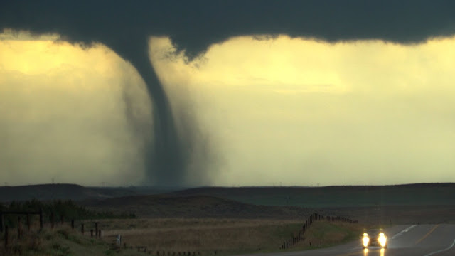 VIDEO: 10 Tornadoes, Extreme Weather Phenomena on World 2016