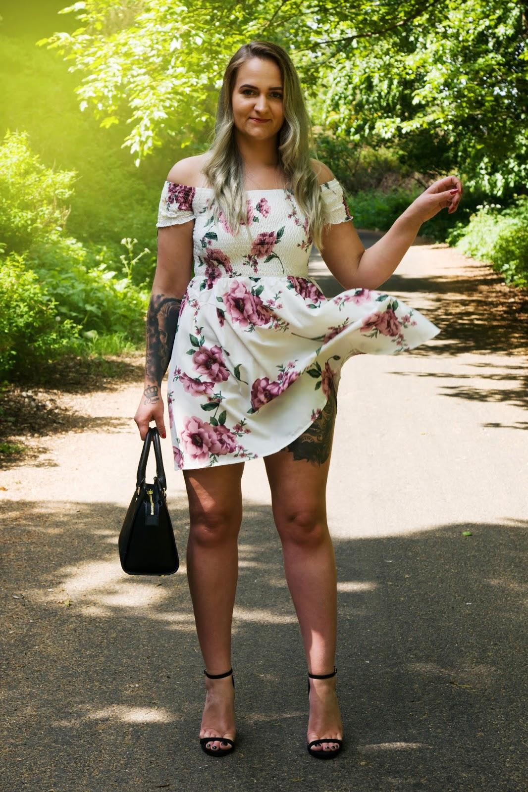 fotografia moda tatuaz sukienka