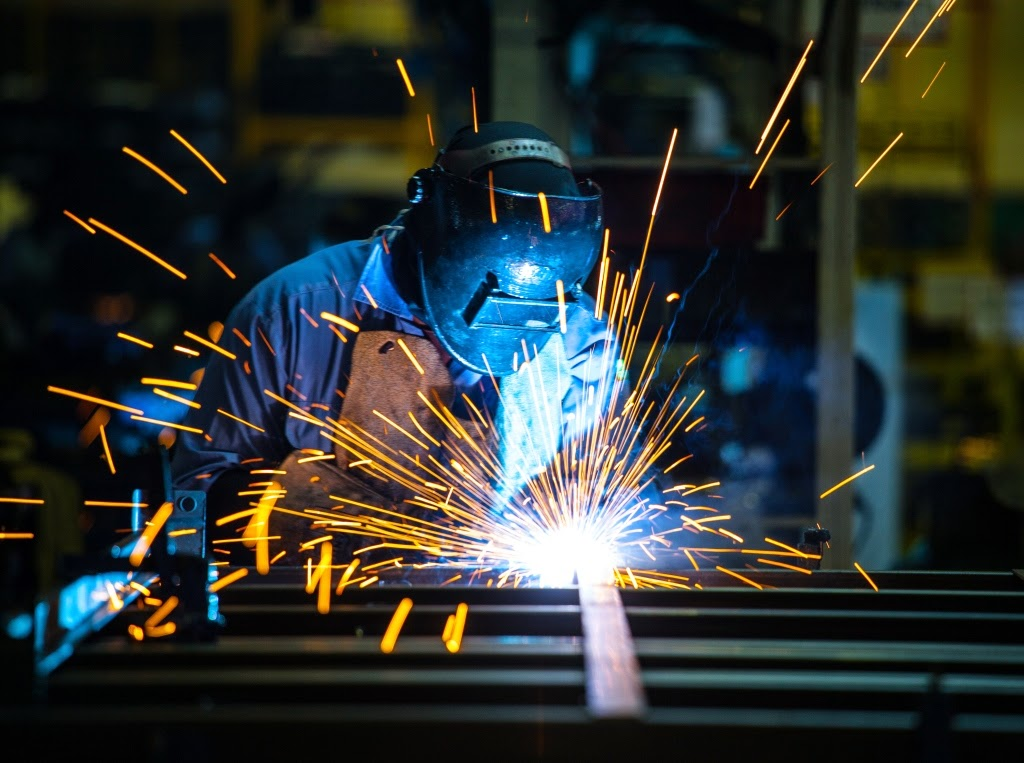 How to Avoid Hazards of Metalworking Fluid Exposure