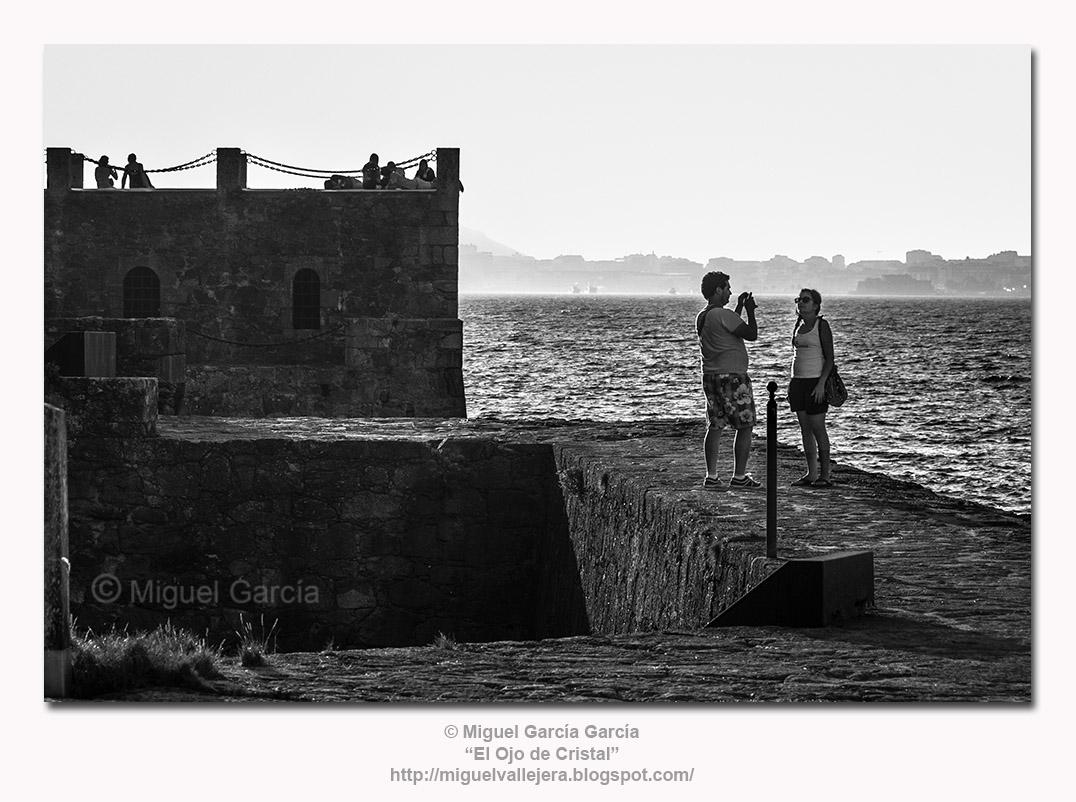 Illa do Castelo en O Porto de Santa Cruz, Oleiros (A Coruña) - España. Vista de las Mazmorras.