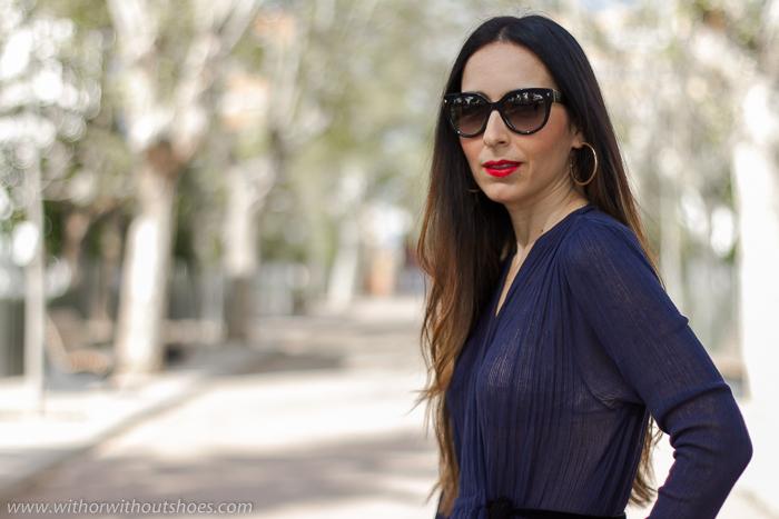 Blogger influencer instagramer de moda con ideas para vestir en una celebracion con estilo