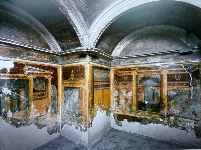 Colours of Pompeii Naples, Italy