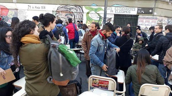 Docentes universitarios de Argentina anuncian semana de paro
