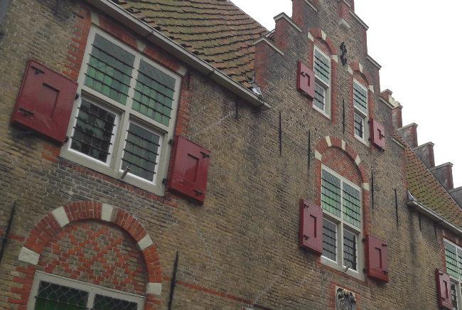Schoonhoven, The Netherlands | Happy in Red
