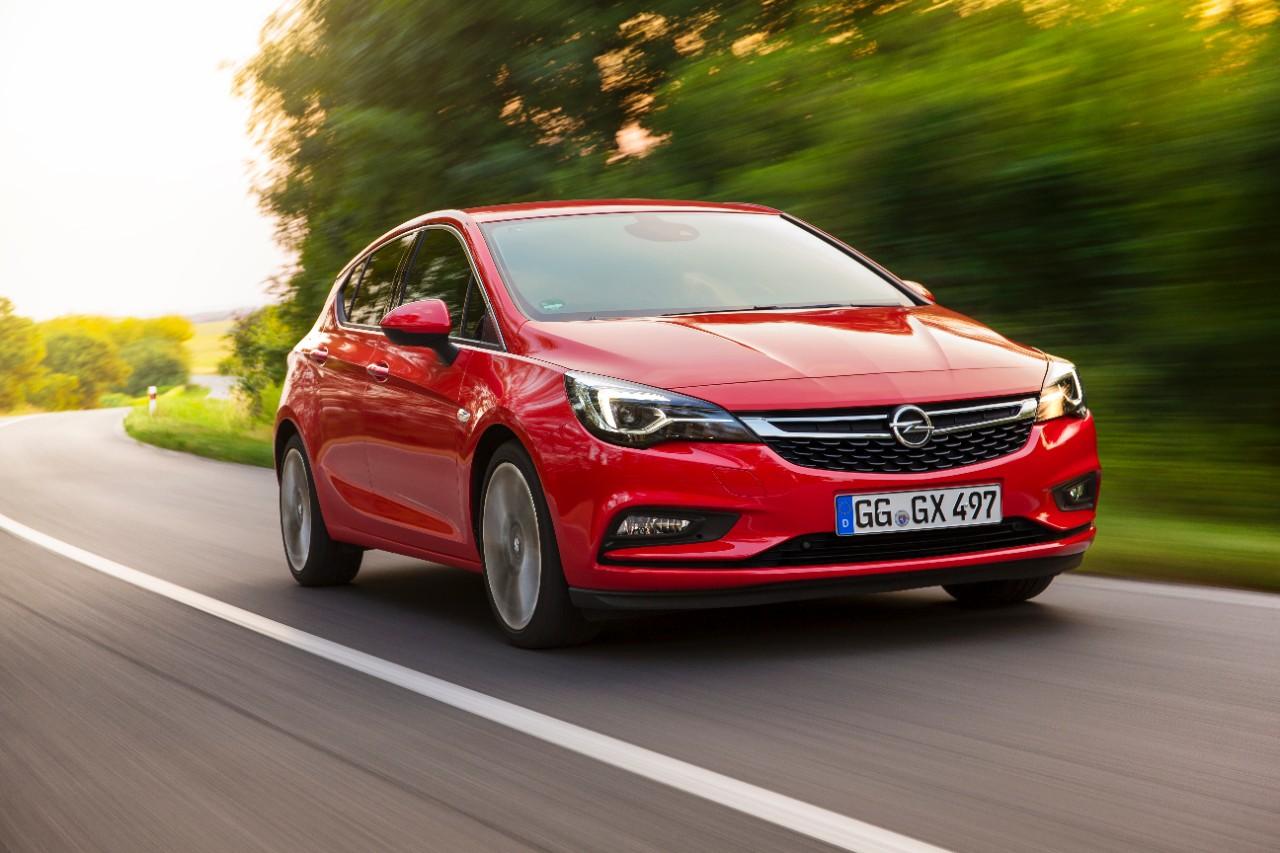 "cq5dam.web.1280.1280 Το Opel Astra προκρίθηκε στους επτά φιναλίστ για το ""Αυτοκίνητο της Χρονιάς 2016"" Audi A4, BMW 7-series, COTY, Jaguar XE, mazda mx-5, Opel Astra, Skoda Superb, Volvo XC90"
