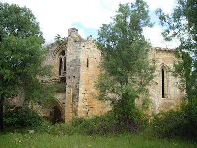 Monasterio Bonaval con el grupo de senderismo escapadillas.com