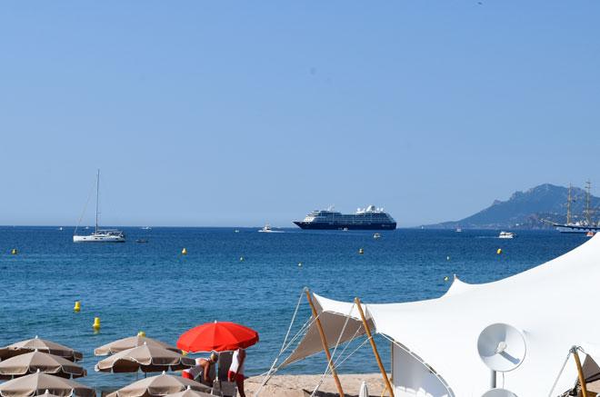 Der Strand von Cannes mit Elvital Öl Magique