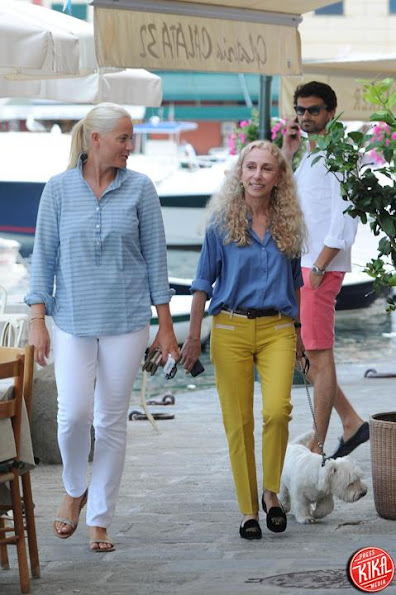 Crown Princess Mette Marit has been seen in Portofino with her girlfriend Franca Sozzani