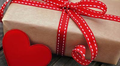 5 هدايا تهديها لحبيبتك اذا كانت بعيدة عنك !!