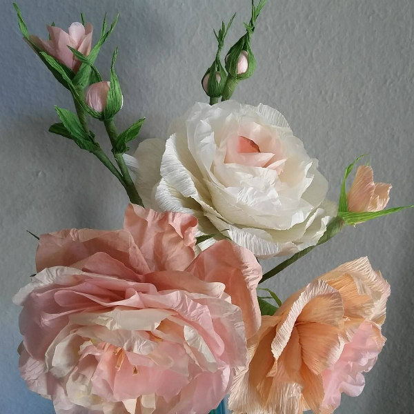 Crepe Paper Roses with Buds in Shades of Peach