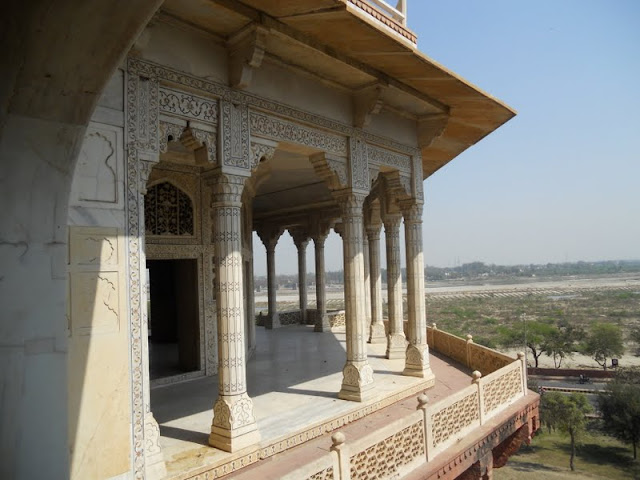 Delhi to Agra by train: Views from Agra fort