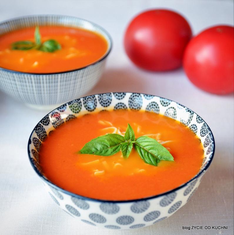 pomidorowa, pazdziernik sezonowe owoce pazdziernik sezonowe warzywa, sezonowa kuchnia, pazdziernik, zycie od kuchni