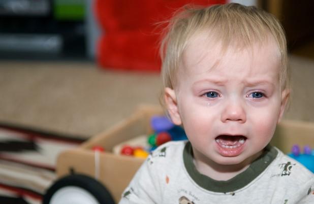 Penyebab Bayi Menangis Tanpa Air Mata