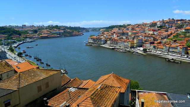 O Rio Douro e o Porto vistos de Vila  Nova de Gaia