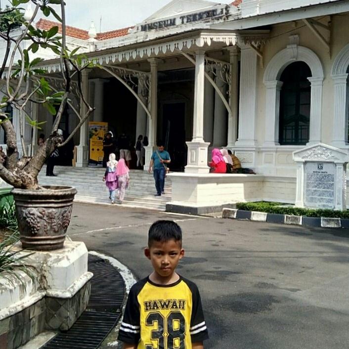 Wisata Belanja Seru Di Museum Tekstil Leyla Hana