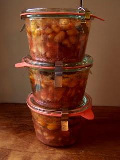 Zuppa di pesce e cannellini in vasocottura