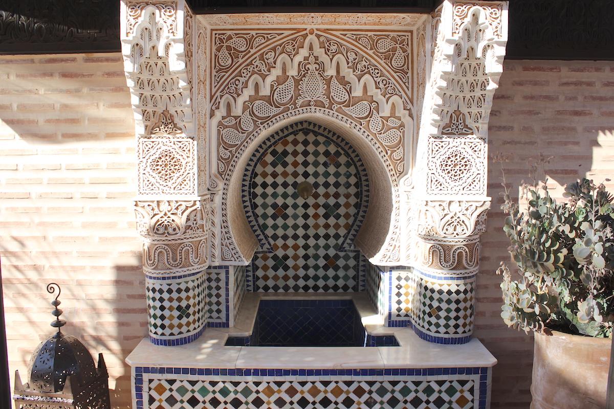 Was kosten 5 Tage in Marrakesch Kostenübersicht Marrakech Preise Preisniveau Restaurants Bargeld Geld abheben Geld wechseln Marokko Essen Kosten Sightseeing Transportkosten Taxi Transfer SIM Karte