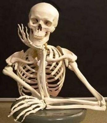 scheletro%2Bin%2Battesa.JPG