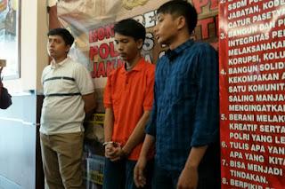 Tersangka pembunuh wanita di Apartemen Kebagusan City, Hidayat (baju oranye) - Foto/Kompas.com