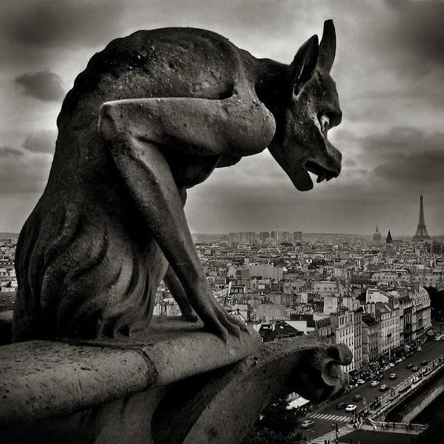 Bí ẩn về các tượng quái thú của nhà thờ Đức Bà Paris mà ít người biết đến