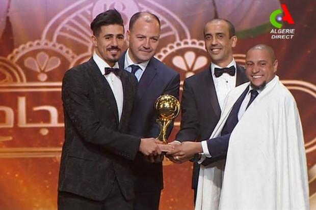 بغداد بونجاح يتوج بجائزة الكرة الذهبية الجزائرية 2017/2018