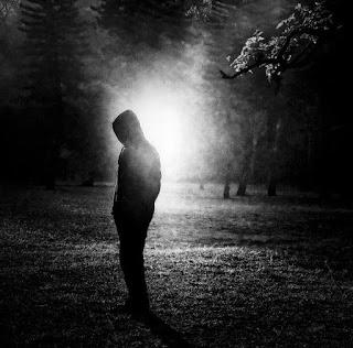 Imágenes y fotos de hombres tristes